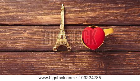 Eiffel Tower And Heart Shape Toy