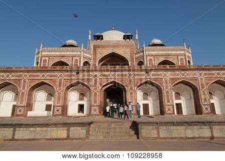 Tourists In The Humayun's Tomb, Old Delhi, India