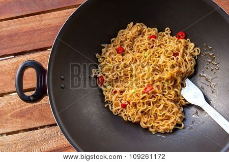 Spicy Indonesian Fried Noodle