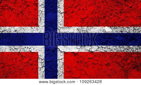 Flag of Norway, Norwegian flag painted on cracked pint.