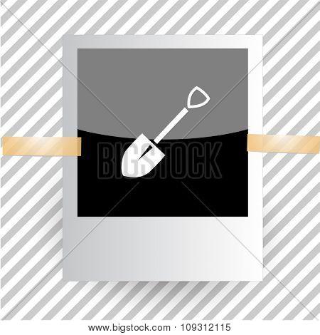 spade. Photoframe. Raster icon.