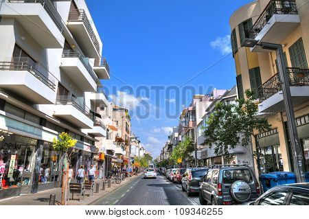 Shenkin street one of the most popular street for shopping and traveling in Tel aviv