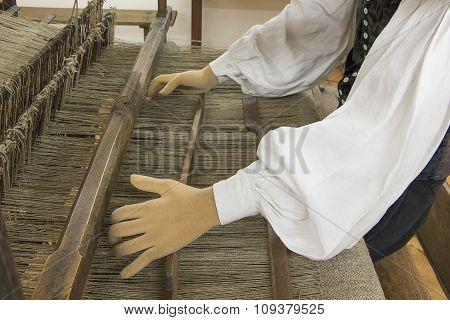 Weaving Linen, Traditional Craft