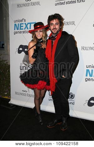LOS ANGELES - OCT 30:  Dawn Olivieri at the 2nd Annual UNICEF Masquerade Ball at the Hollywood Forever on October 30, 2014 in Los Angeles, CA