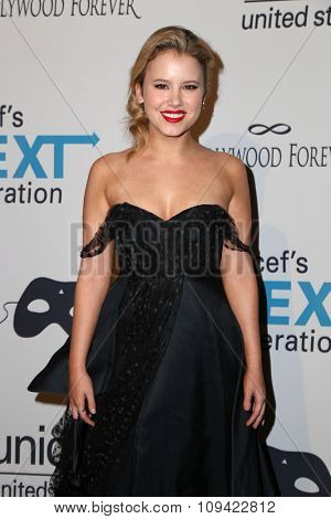 LOS ANGELES - OCT 30:  Taylor Spreitler at the 2nd Annual UNICEF Masquerade Ball at the Hollywood Forever on October 30, 2014 in Los Angeles, CA