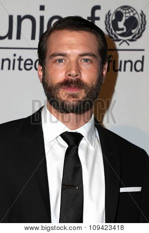 LOS ANGELES - OCT 30:  Charlie Weber at the 2nd Annual UNICEF Masquerade Ball at the Hollywood Forever on October 30, 2014 in Los Angeles, CA