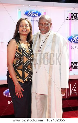 LOS ANGELES - JUN 29:  Lou Gossett, Jr. at the 2014 BET Awards - Arrivals at the Nokia Theater at LA Live on June 29, 2014 in Los Angeles, CA