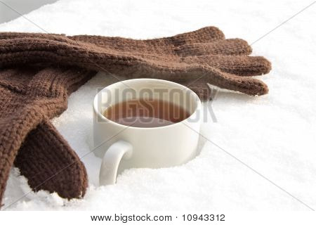 Tea with gloves