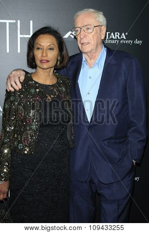 LOS ANGELES - NOV 17:  Shakira Caine, Michael Caine at the