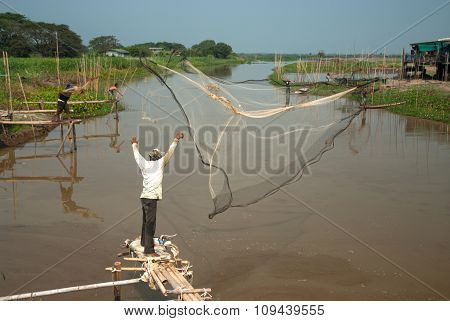 Traditional Fisherman Casting.