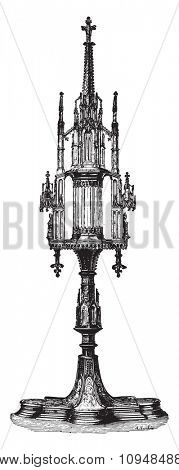 Gothic monstrance from the fifteenth century, vintage engraved illustration. Industrial encyclopedia E.-O. Lami - 1875.