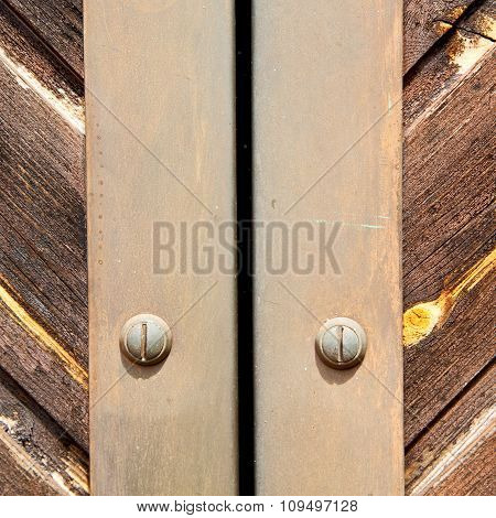 Stripped Paint  Door    In Italy   Ancian Wood And Traditional  Texture Nail