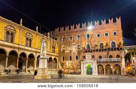 Piazza Dei Signori (piazza Dante) In Verona - Italy