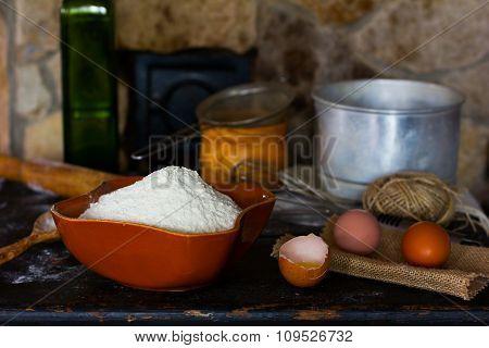White wheat flour in ceramic ware