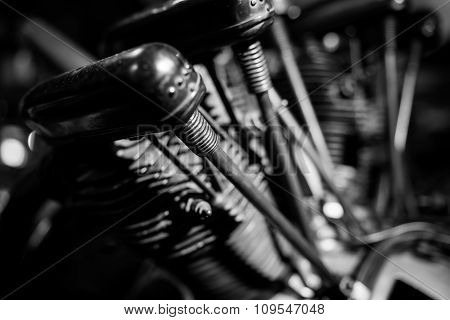 Engine Pistons Brown Mono