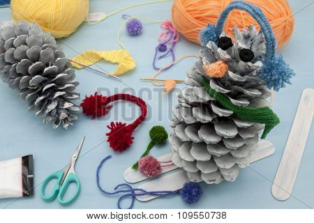 Xmas Decorations Crafts: Pinecone