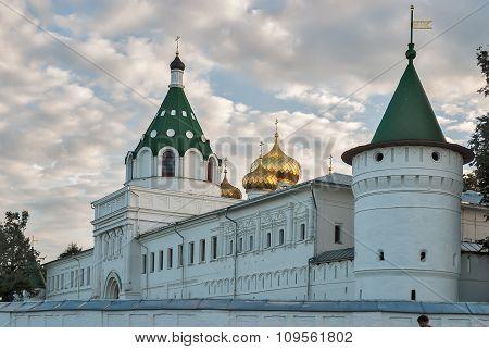 Kostroma. Ipatievsky monastery in twilight
