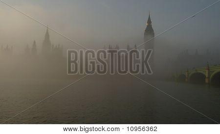 Misty casas del Parlamento, Londres 2