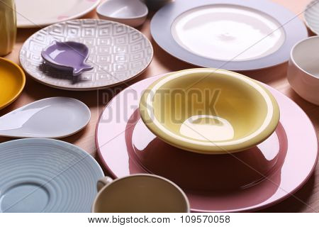 Set of colour plates on rose background