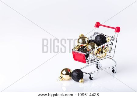 Christmas Shopping Cart With Balls