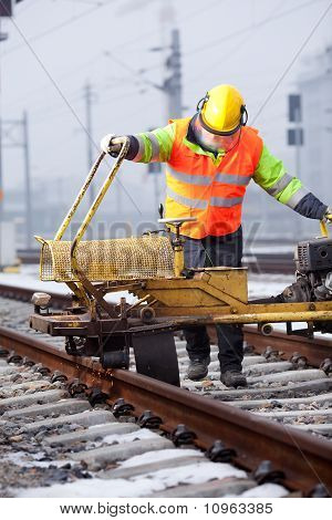 Shaping And Cutting Of Railtrack