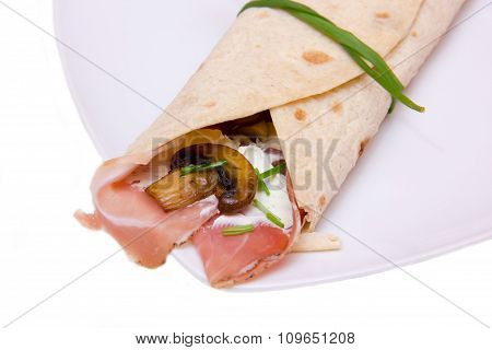 Flatbread with bacon and mushrooms close