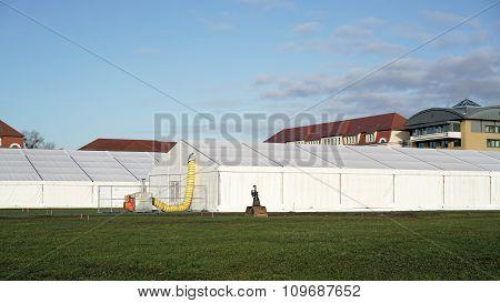 provisional refugee shelter