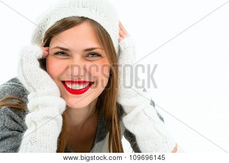 Portrait of a beautiful young smiling woman