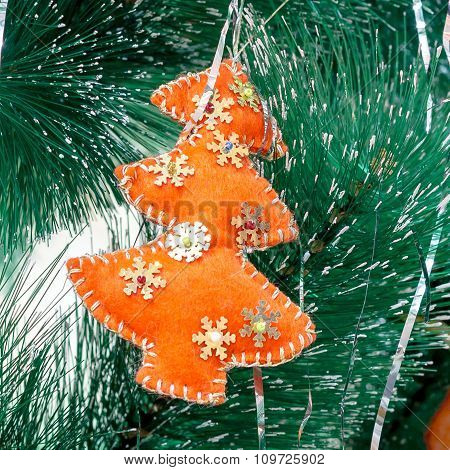 Christmas toy herringbone