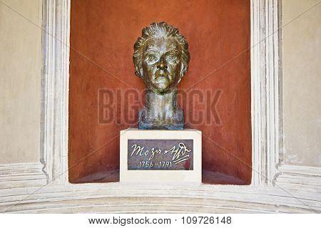 Bronze monument to Mozart in Kurpark