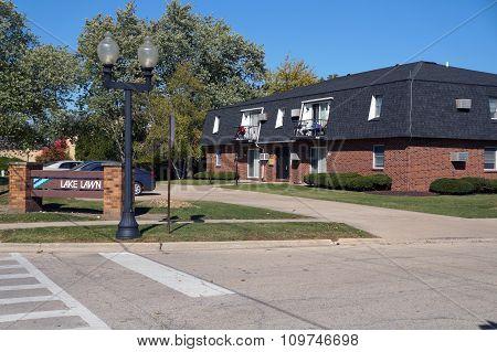 Lake Lawn Apartment Building