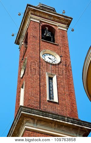 Building  Clock Tower In Italy Europe    Bell