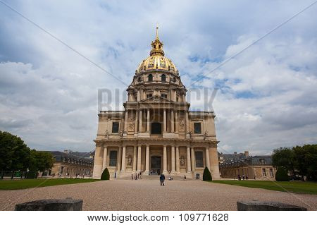 Chapel Of Saint Louis Des Invalides .