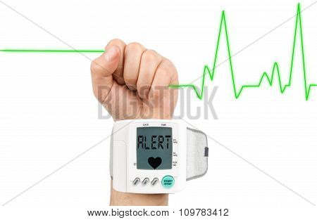 Alert on blood pressure monitör