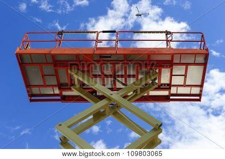 Scissor lift platform