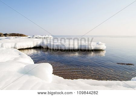 Floe, icy shore of the sea.