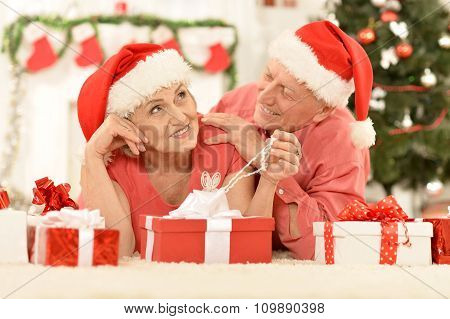 Amusing old couple at Christmas