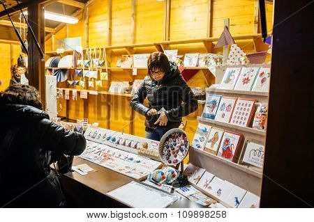 Selling Christmas Souvenirs