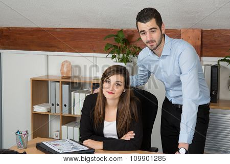 Customer And Female Financial Agent In A Discussion