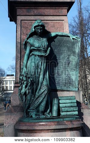 Statue of a girl symbolizing Finland.