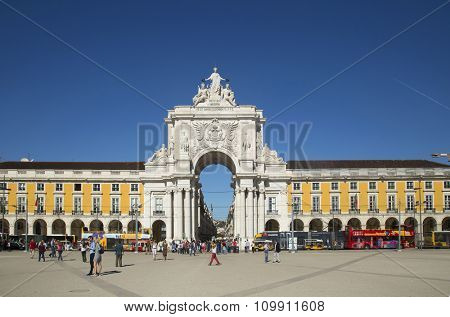 LISBON-PORTUGAL NOVEMBER 06, 2015:  View of the arch with a yellow tramway at Commerce Square and located in the city of Lisbon, Portugal.