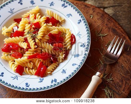 Pasta fusilli with red bell peppers