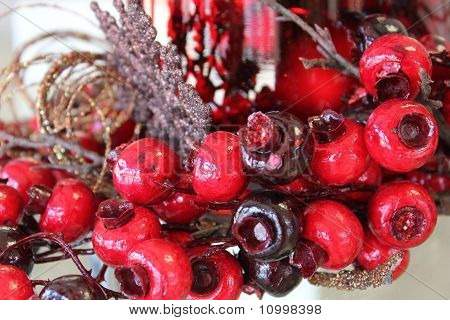 Holiday Berries Decorations
