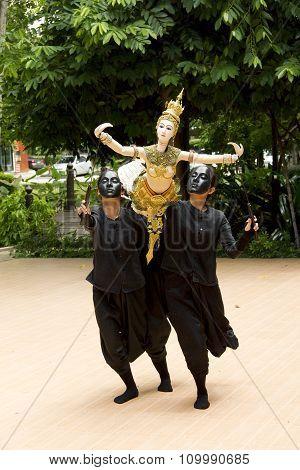 BANGKOK, THAILAND - AUGUST 2 :Traditional Thai Khon puppet spectacle at Mahidol University Salaya Ca