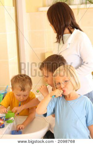 Preschoolers And White Teeth