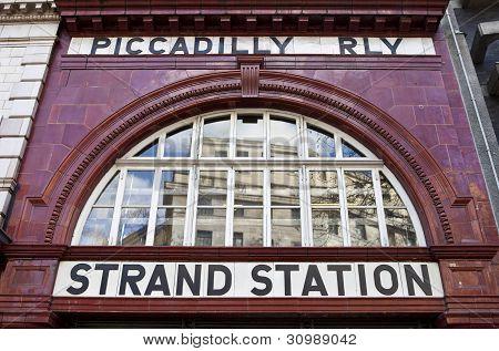 Strand / estação de Aldwych