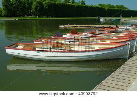 um barco em Versalhes