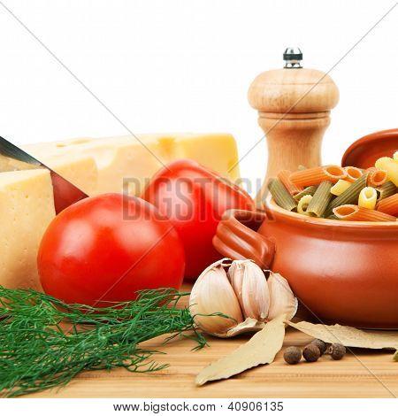 Verduras, Pasta, especias y utensilios de cocina