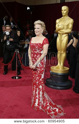LOS ANGELES - MAR 2:: Bette Midler  at the 86th Annual Academy Awards at Hollywood & Highland Center on March 2, 2014 in Los Angeles, California