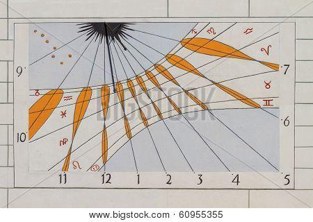 Modern Sun Dial / Solar Clock